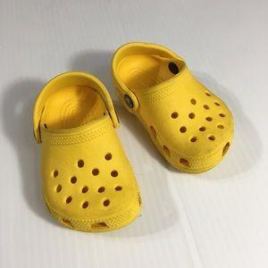 Toddler crocs size 2/3